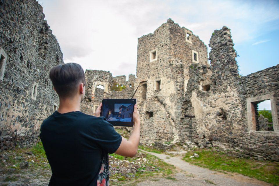 """Невицький замок """"реконструювали"""" у неймовірній комп'ютерній грі (ФОТО, ВІДЕО), фото-17"""