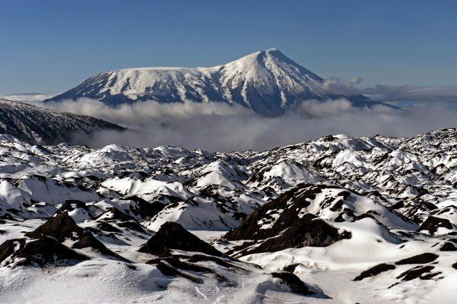 2.Камчатка,ледник Богдановича,вид на влк.Толбачник